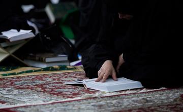 متن زیارت امام حسین (ع) در روز عرفه
