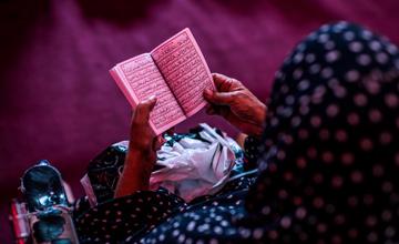 بررسی تفاوتها در متن زیارت عاشورا و آداب خواندن این زیارت