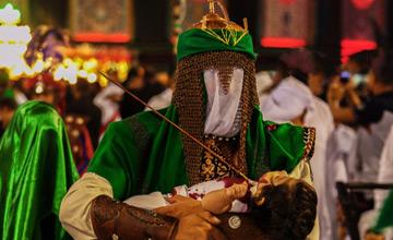 آیا حضرت علیاصغر (ع) بر روی سینۀ امام حسین (ع) به خاک سپرده شده است؟