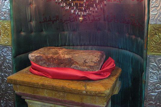 6 مقبره منسوب به راس مطهر امام حسین (ع) در کشور سوریه